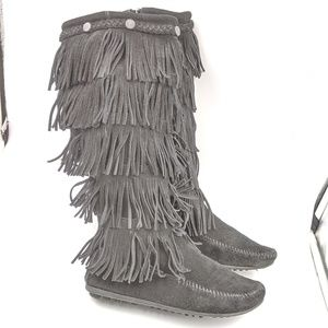 Minnetonka Moccasin Sz 6 Talk Black Fringed Bootd